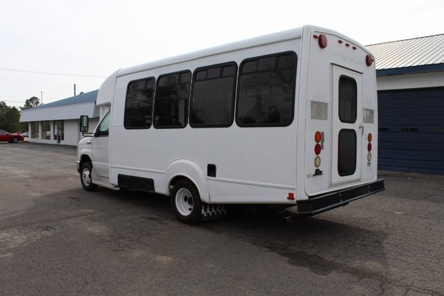 Pre-Owned 2010 Ford E-450SD Base