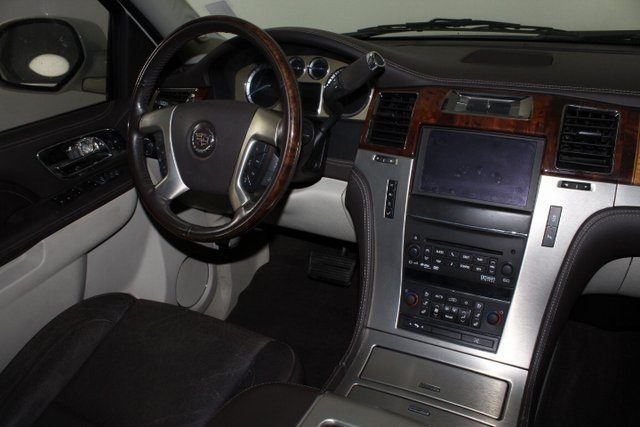 Certified Pre-Owned 2013 Cadillac Escalade Platinum Edition