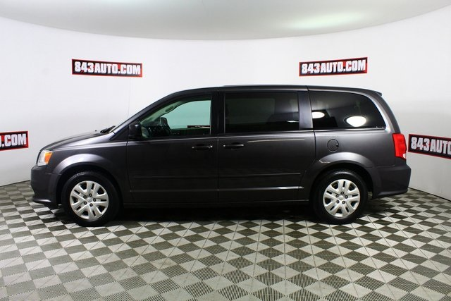 Certified Pre-Owned 2017 Dodge Grand Caravan SE