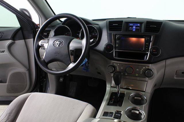 Certified Pre-Owned 2013 Toyota Highlander